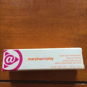 Mary Kay at play triple layer lip balm